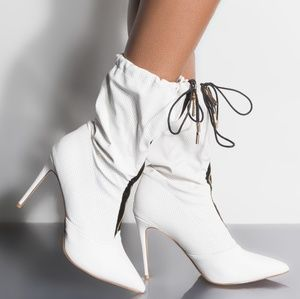 New in box Nordstrom's talk flirty heeled boot